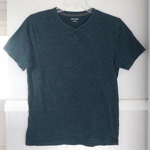 Banana Republic heather blue green tshirt